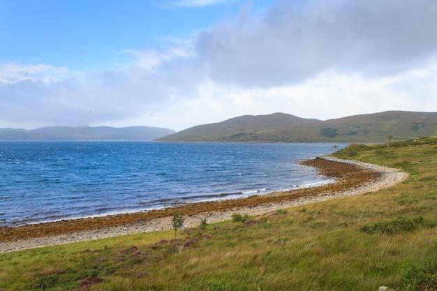 Belo panorama escocês da região das terras altas. destino de viagens na escócia