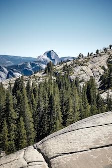 Belo parque nacional de yosemite na califórnia, eua