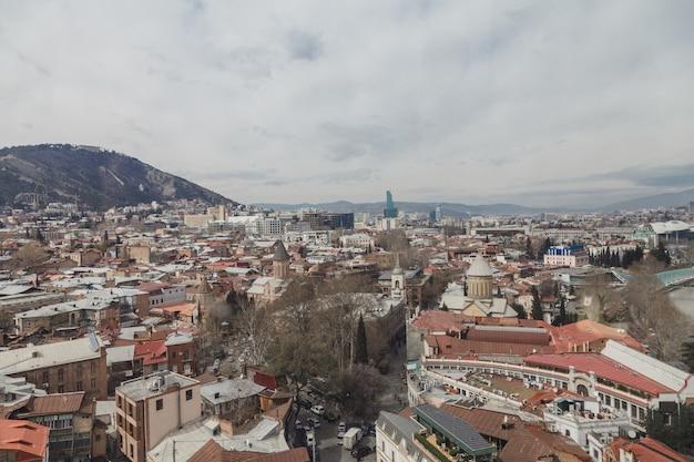 Belo ponto de vista da cidade de tbilisi, geórgia