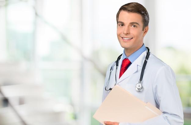 Belo retrato de médico no fundo