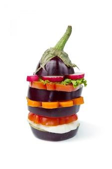 Beringela com legumes frescos