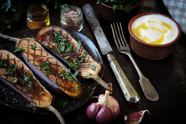 Berinjelas grelhadas receita de almoço vegano
