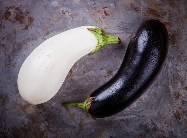 Berinjelas são diferentes. legumes.