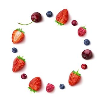 Berry isolado no branco em vista superior em um quadro redondo de bagas diferentes