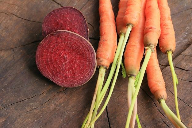 Beterraba fresca e cenoura