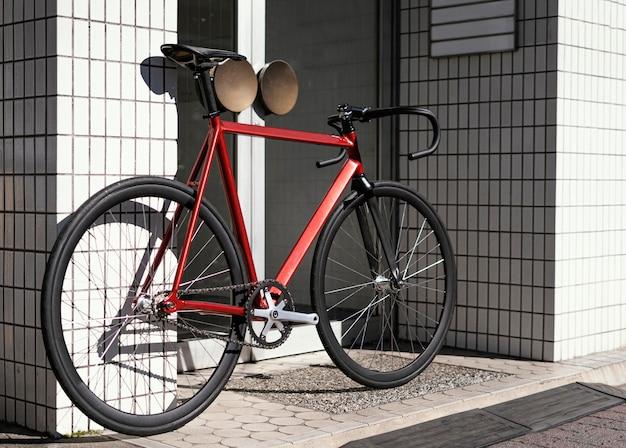 Bicicleta ao ar livre na rua