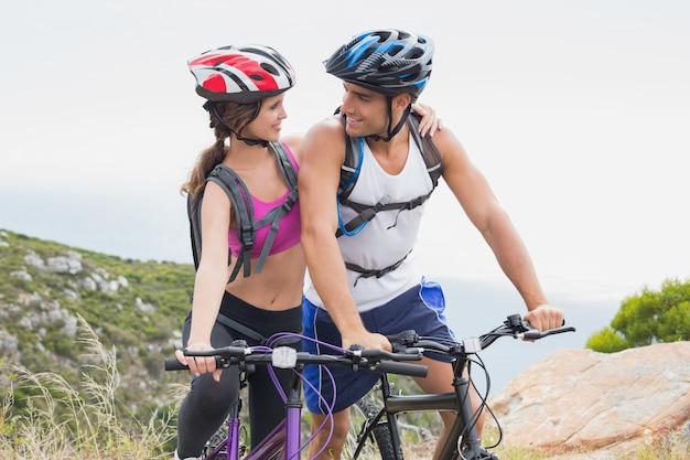Bicicleta de mountain bike em atletismo