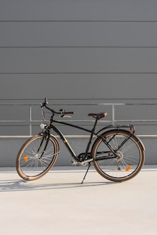 Bicicleta velha para transporte ecológico