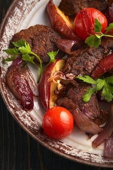 Bife com legumes