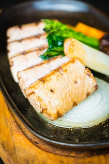 Bife de carne de atum