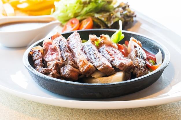 Bife de carne e carne