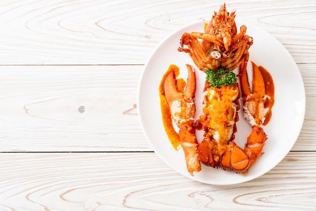 Bife de lagosta com molho