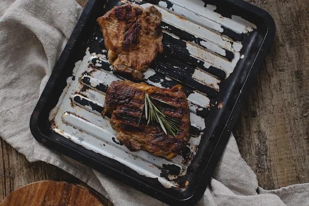 Bife grelhado na panela