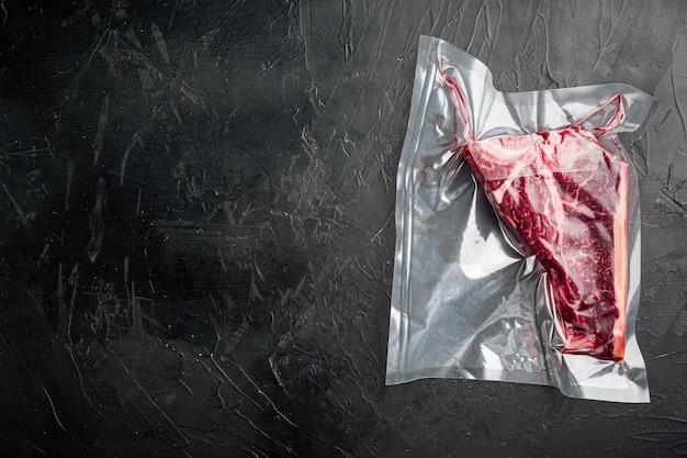 Bife t bone ou florentino maturado seco em embalagem a vácuo