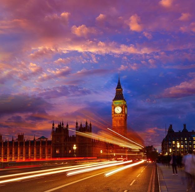 Big ben clock tower, em londres, inglaterra