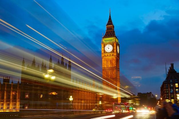 Big ben clock tower, em londres, inglaterra