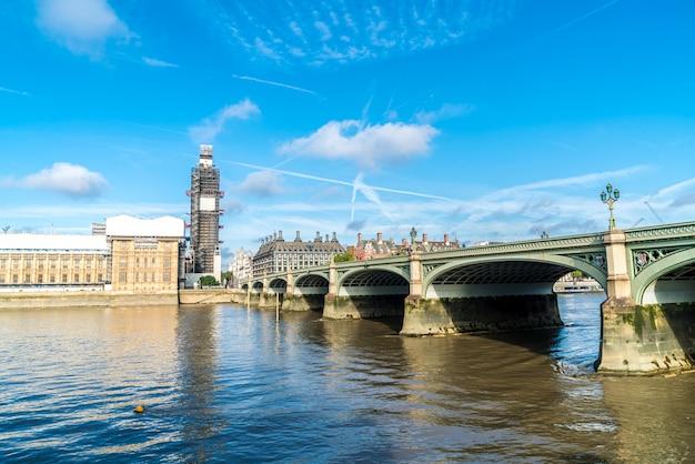 Big ben e westminster bridge em londres