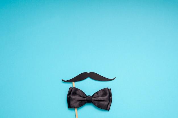 Bigodes de papel para homens pais pai conceito