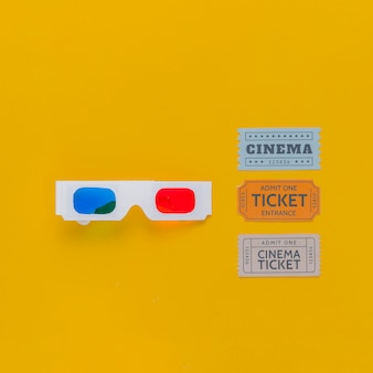 Bilhetes de cinema e óculos 3d