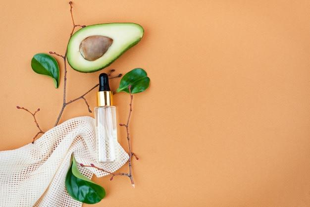 Bio cosméticos orgânicos com ingredientes à base de plantas. extrato natural. soro de óleos, feito à mão