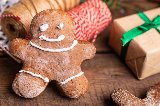 Biscoito de gengibre natal ano novo doce sobremesa homem biscoito ginge refeição lanche