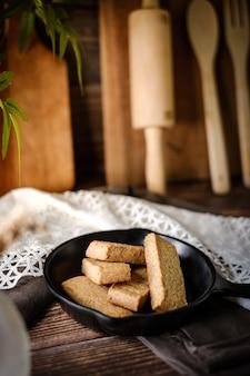 Biscoito escocês do dedo tradicional do biscoito amanteigado.