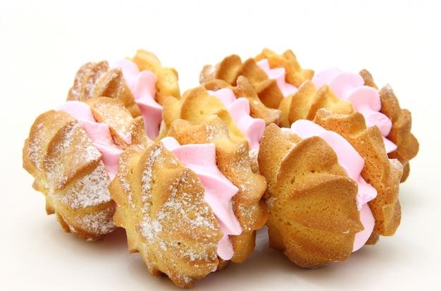 Biscoitos amarelos com recheio