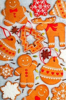 Biscoitos caseiros de gengibre de natal
