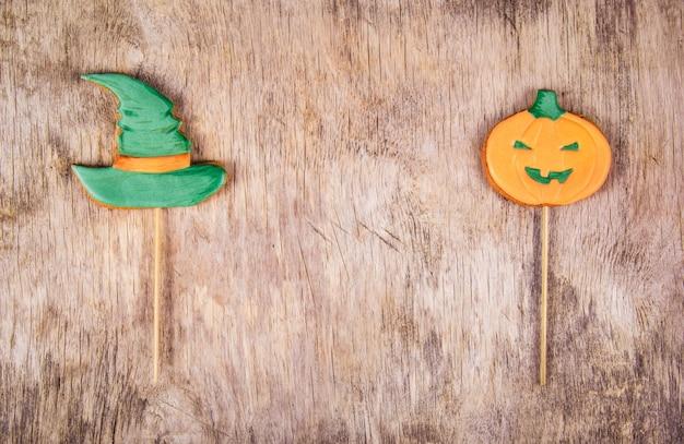 Biscoitos caseiros de gengibre para o halloween