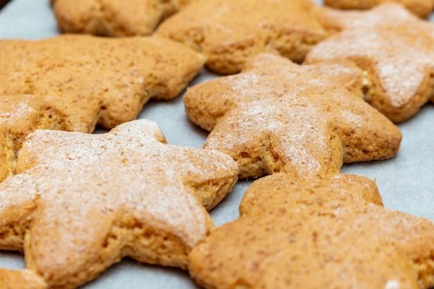 Biscoitos caseiros tradicionais de ano novo de natal