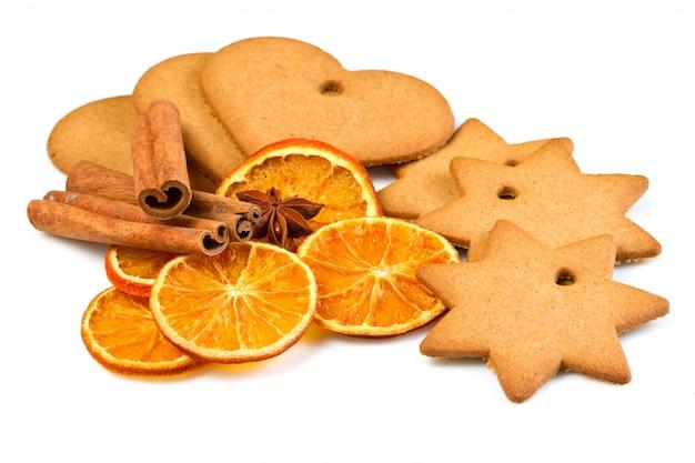 Biscoitos com canela e laranja seca