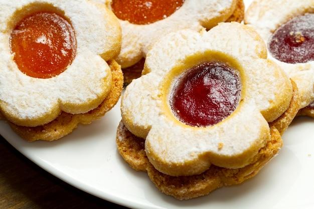 Biscoitos com geléia