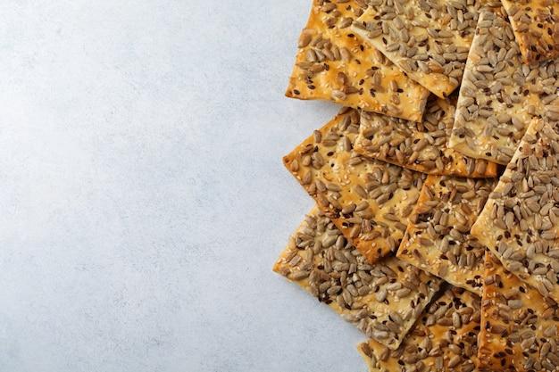Biscoitos com sementes de girassol, linho e gergelim