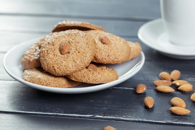 Biscoitos de aveia caseiros com nozes