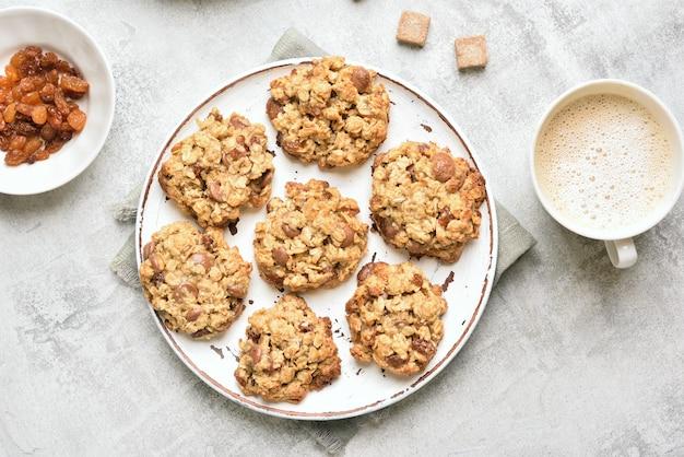 Biscoitos de aveia saudáveis e café