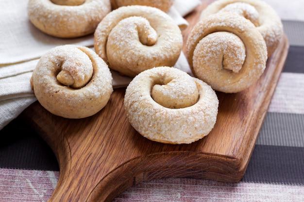 Biscoitos de caracol com canela