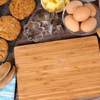 Biscoitos de chocolate com ingredientes