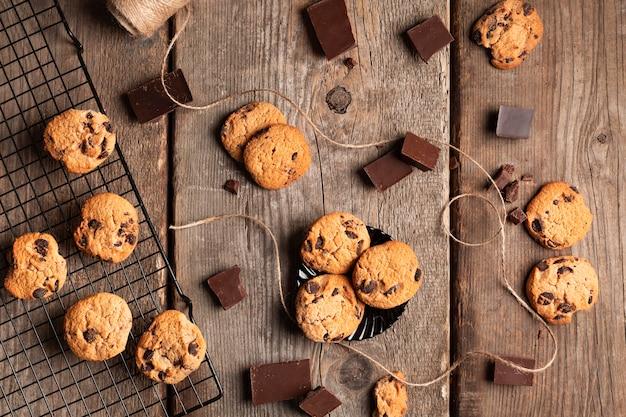 Biscoitos de chocolate de vista superior