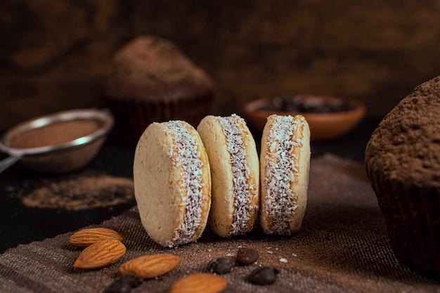 Biscoitos de coco assados deliciosos