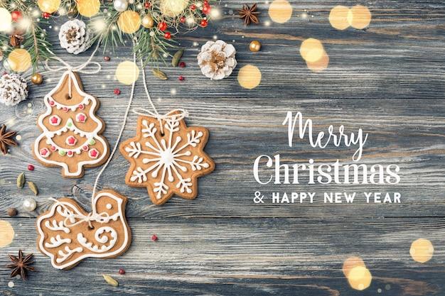 Biscoitos de gengibre e decorações de natal