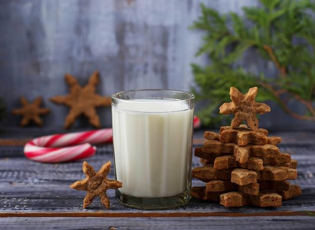 Biscoitos de natal com leite e gengibre
