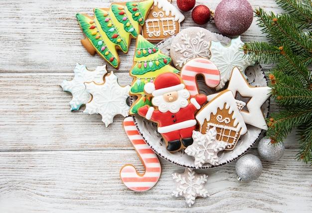 Biscoitos de natal e árvore de natal