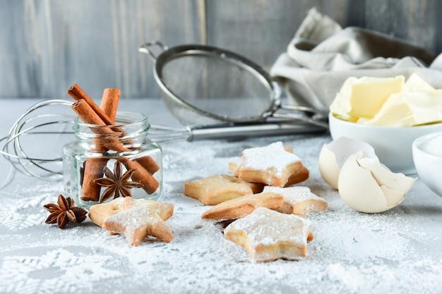 Biscoitos de natal em forma de estrelas