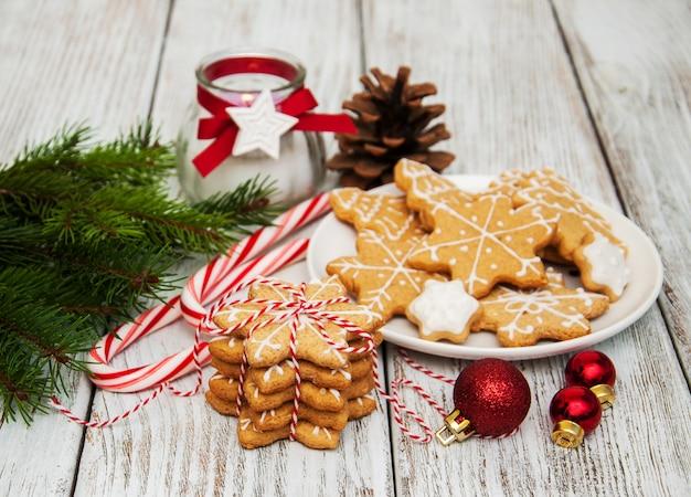Biscoitos de natal em um prato