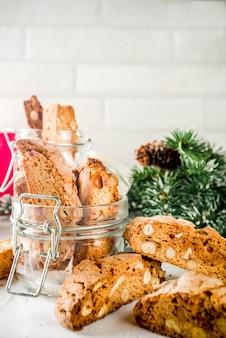 Biscoitos de natal ou cantuccini