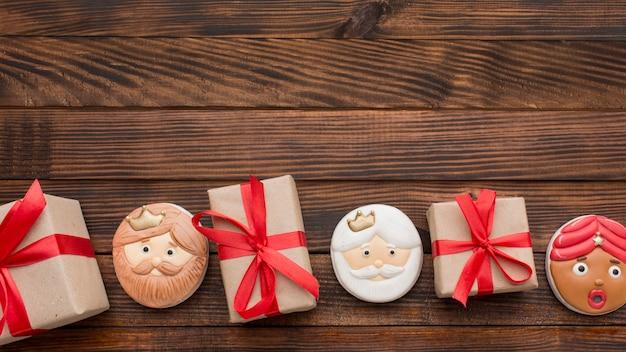 Biscoitos de sobremesa epifania cópia espaço fundo de madeira