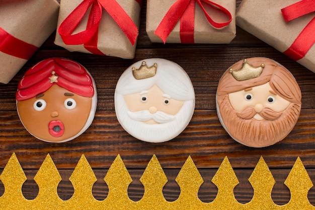 Biscoitos de sobremesa epifania e coroa