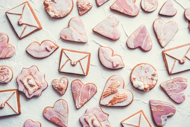 Biscoitos dos namorados: corações, envelopes