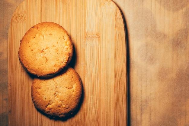 Biscoitos em uma placa de pastelaria