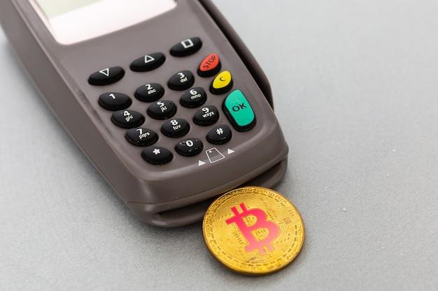 Bitcoin, cartão de crédito e terminal pos